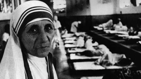 Madre Teresa de Calcutá, a santa com o pezinho no inferno