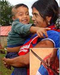Mulher faz uma cesariana em si mesma com faca de cozinha!