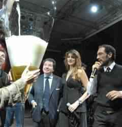 A maior taça de champanhe do mundo