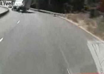Video do acidente com o caminhão