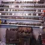 Maluco é preso ao tentar vender sua coleção de 750 granadas no Ebay