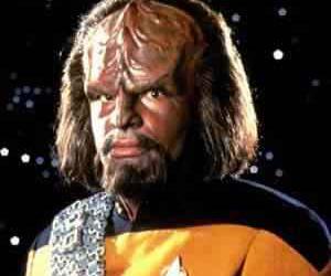 Musicas em Klingon, elfico e sei lá mais o que