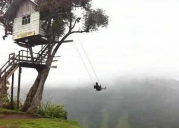 Confie na corda! A casa da árvore na beira do abismo