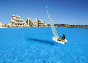 Isso que é piscinão! Conheça San Afonso del Mar