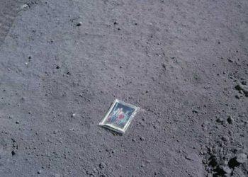 Foto Gump do dia: A foto de família na lua