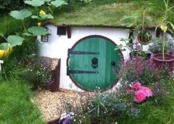 Como fazer uma casa de Hobbit no seu jardim