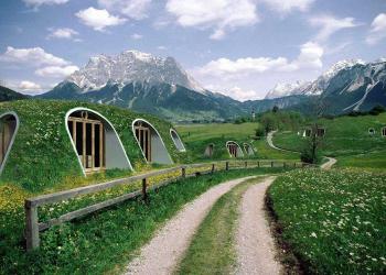Que legal! Uma empresa que faz casas pré-fabricadas… De Hobbit