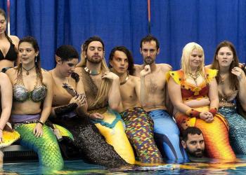 Fotos de uma convenção de… Sereias