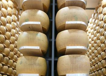 O curioso banco que só funciona com… queijo!