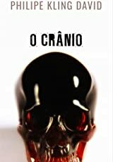 A vida de Bruno começa a mudar no dia que ele encontra um crânio de pedra enterrado.
