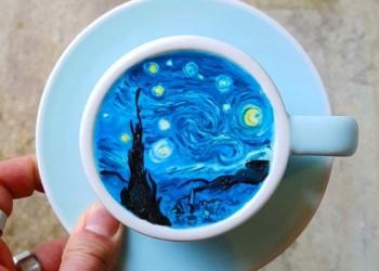 Latte art: Café colorido, com obra de arte, desenhos e até com barata