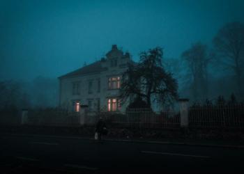 A imobiliária de casas mal assombradas e outros imóveis perturbadores